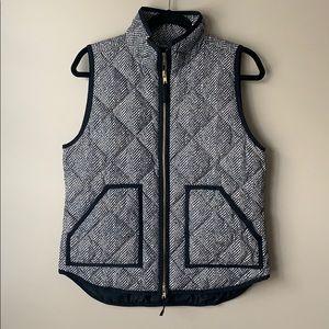 J. Crew black and cream puffer vest sz sm